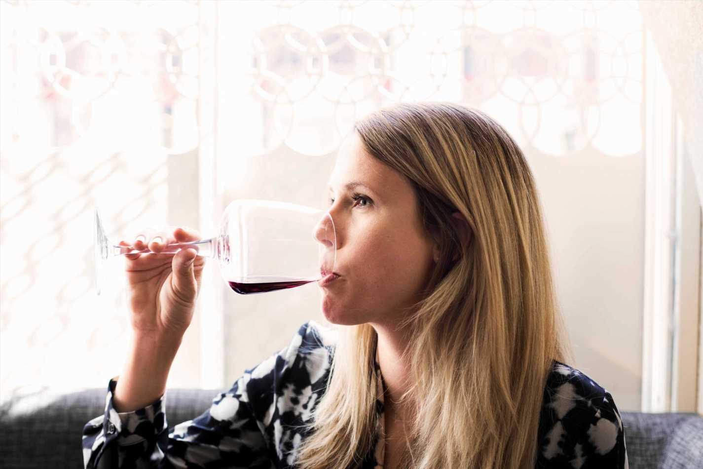 Drink red wine and never skip breakfast… 9 expert tips to prevent dementia