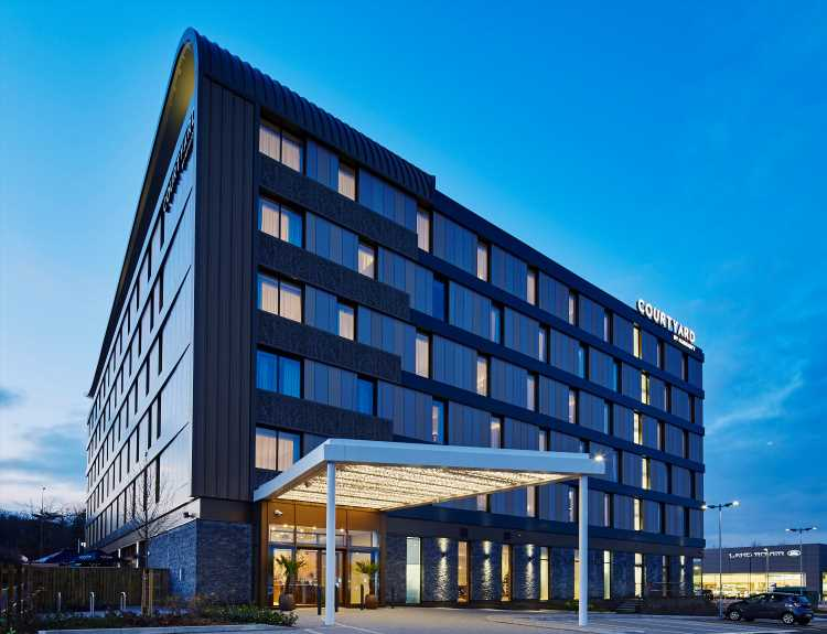 Find good accommodation and great food at Courtyard By Marriott Oxford South