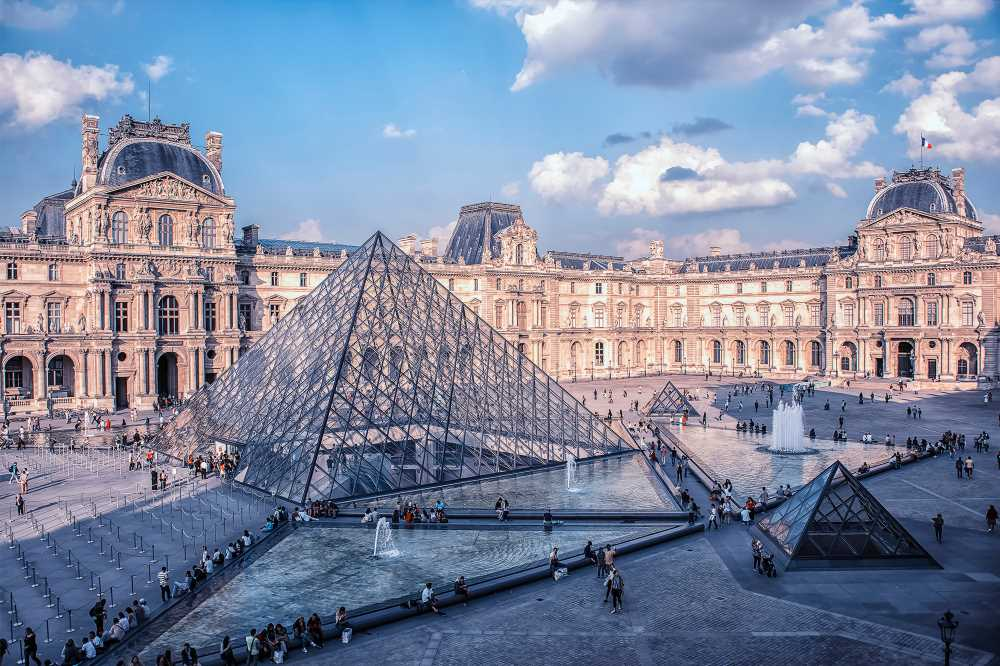 Louvre reopens after staff go on strike amid overcrowding