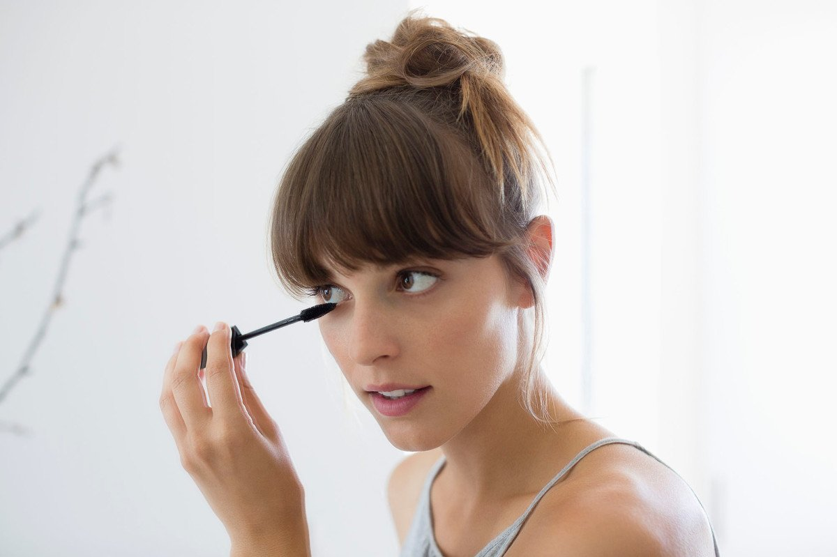The Top-Rated Mascara That So Many Reviewers Say Doesn't Smudge or Run