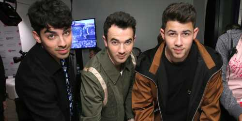 The Jonas Brothers Let Their Dad Listen To Their New Music First