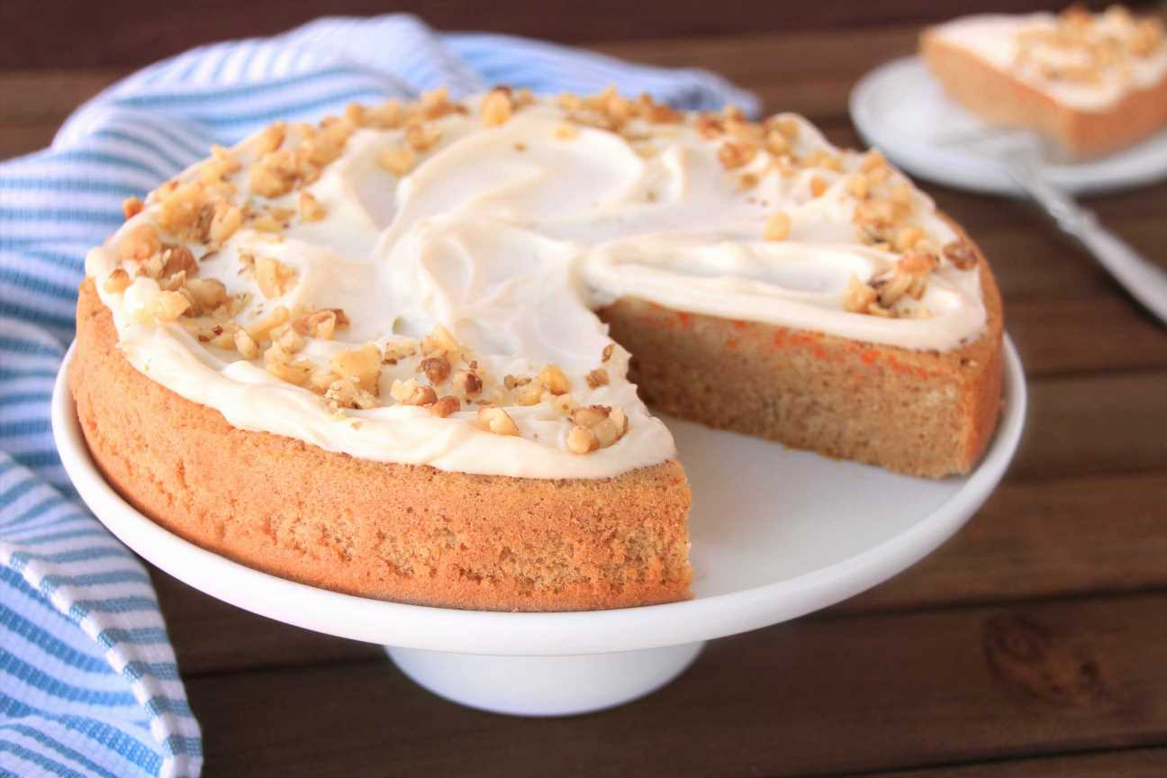 Hungry Girl: Easy-to-Make, Low-Cal Carrot Cake