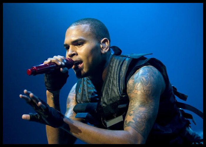 Chris Brown, Drake Set Feud Aside To Collaborate On New Track 'No Guidance'