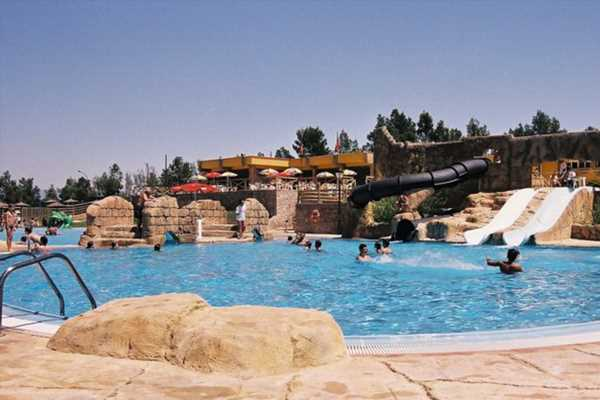 Kids are 'pooing in Spanish swimming pools and waterparks' in disgusting viral trend – The Sun