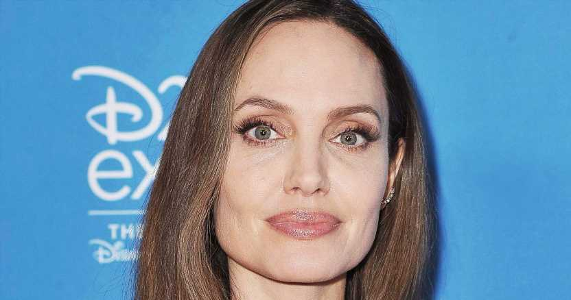 Watch Angelina Jolie's Magnificent Maleficent Transformation