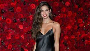 Sara Sampaio Reveals Meal Delivery Services Helped Her Get In Amazing Shape & More Diet Tips