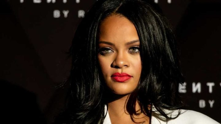 Rihanna Says She 'Absolutely' Said No to the Super Bowl