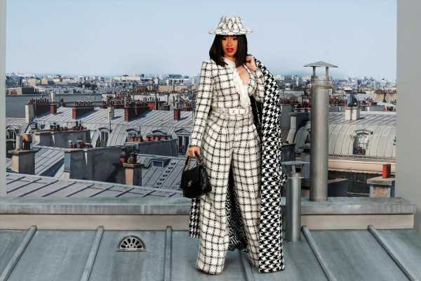 Chanel takes to Parisian rooftops for fashion show