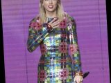 Taylor Swift's Former Record Label Denies Prohibiting Her AMAs Performance