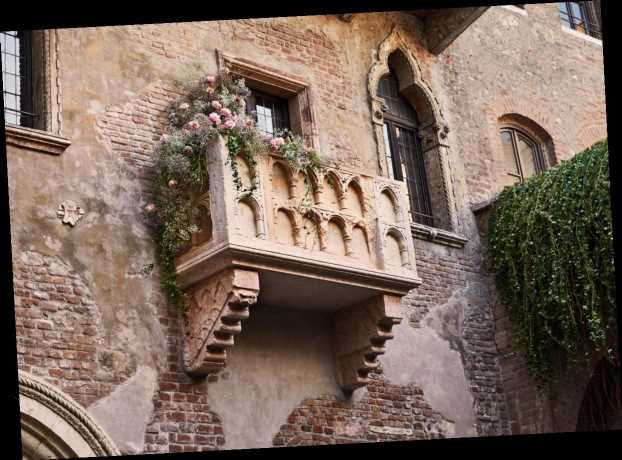 You Could Spend Valentine's Day In An Airbnb That's Straight Out Of 'Romeo & Juliet'