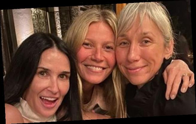 Gwyneth Paltrow makeup-free with Demi Moore, Kate Hudson