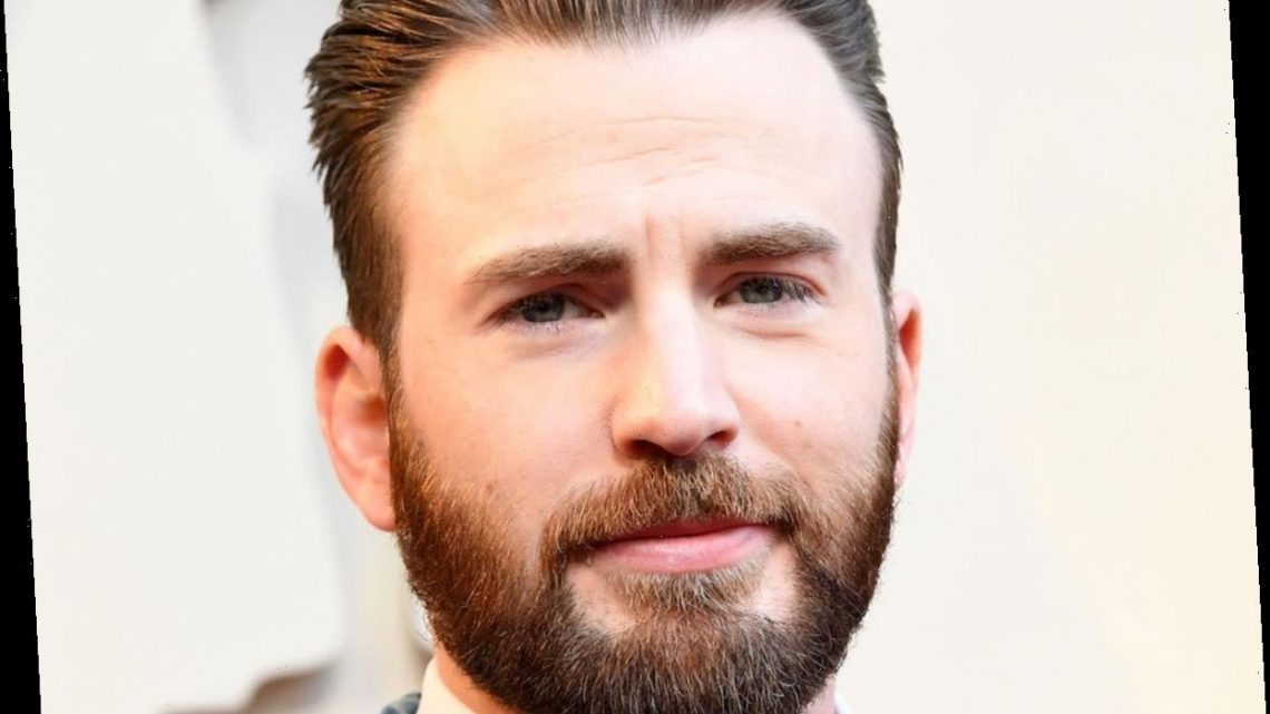 You Can Probably Expect Chris Evans At The Oscars, Minus His 'Knives Out' Sweater
