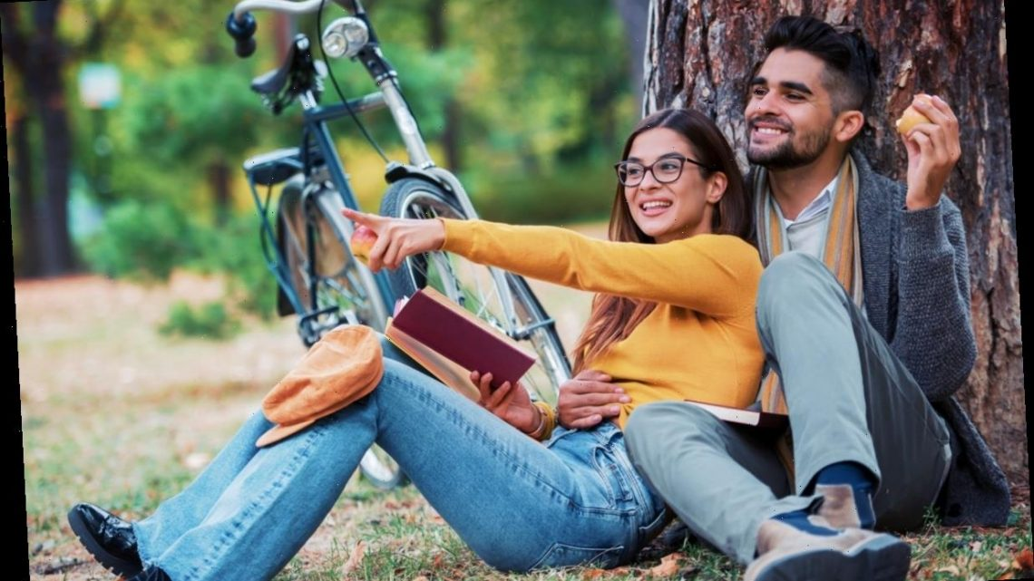 How To Make Your College Relationship Work After Graduation, According To Experts