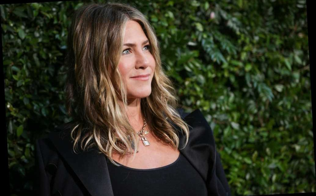 Jennifer Aniston's colorist shares his at-home hair color tips