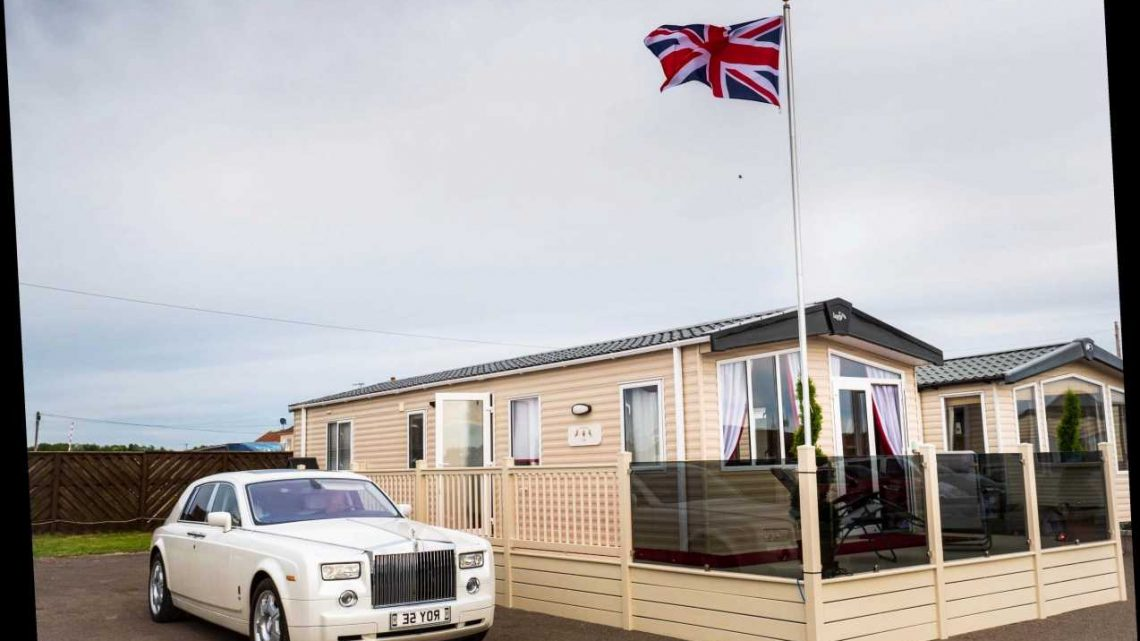 You can stay in a royal-themed caravan with gold-plated toilets and four poster bed at Parkdean for just £13pp a night