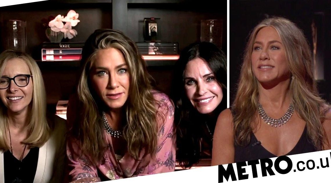 Jennifer Aniston turns Emmys into Friends reunion and the nostalgia is real
