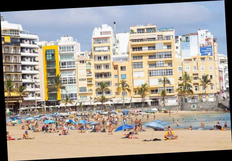 Canary Island winter sun holidays fall in price by a third as hotels battle to attract Brit holidaymakers