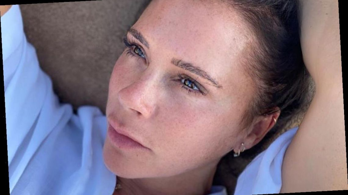Victoria Beckham stuns fans with makeup-free selfie and cosy at-home outfit