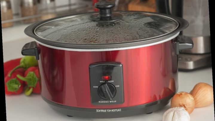 Facebook group about slow cookers erupts in dramatic post, delights Twitter