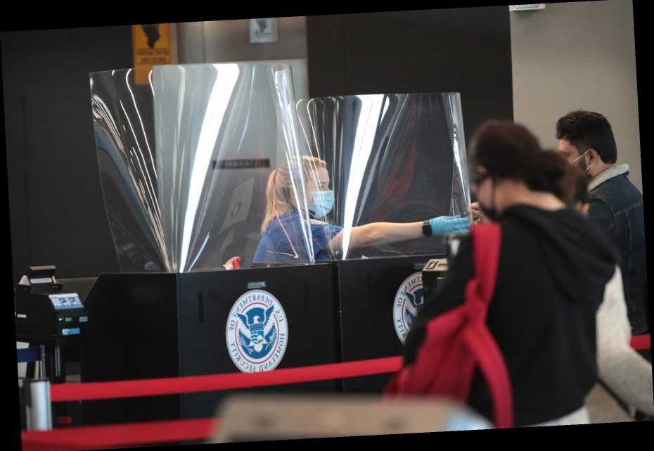 5 Tips Travelers Flying Home for Thanksgiving Need to Know, According to the TSA