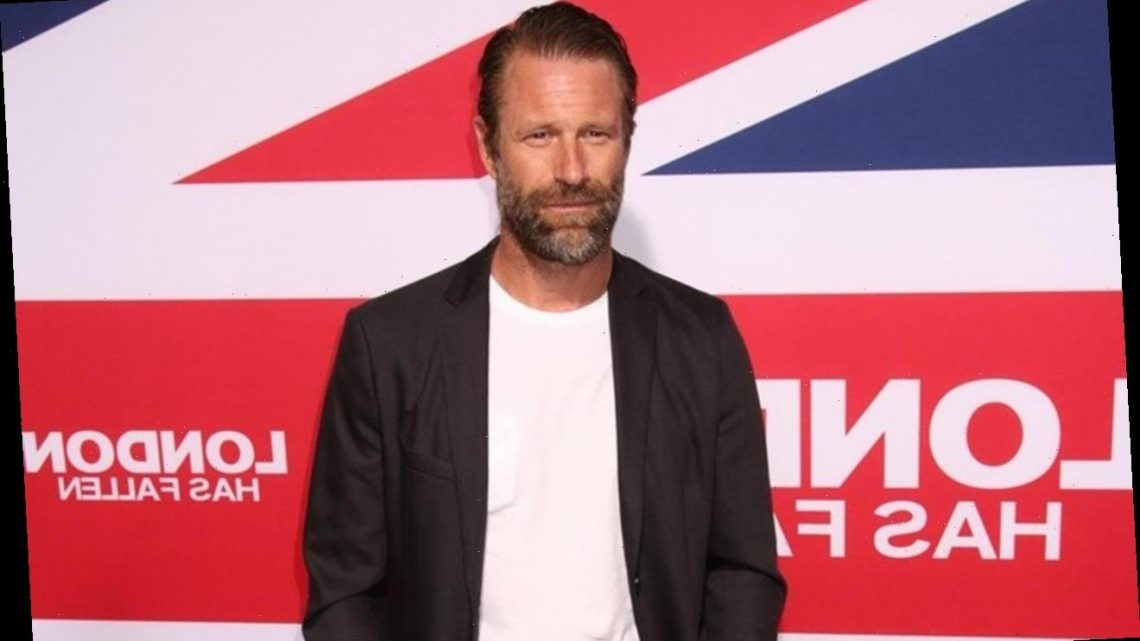 Aaron Eckhart Gets His Christmas Tree From Mountains This Year