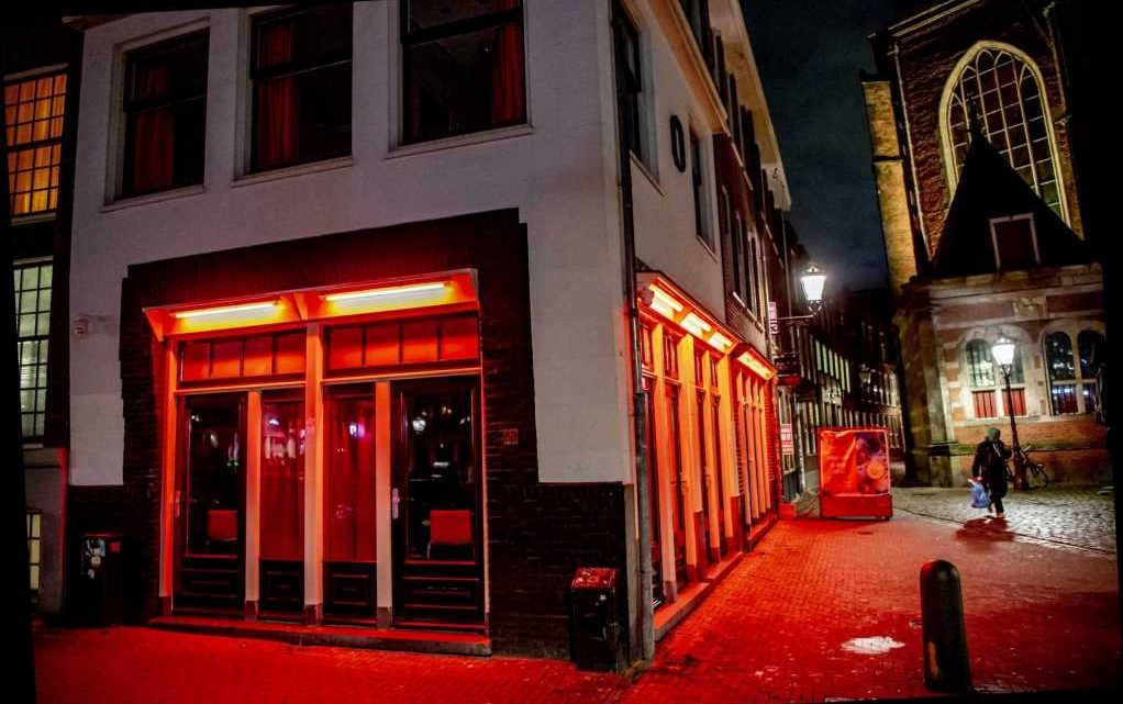 Amsterdam to launch 'erotic centre' outside the city with new red light district