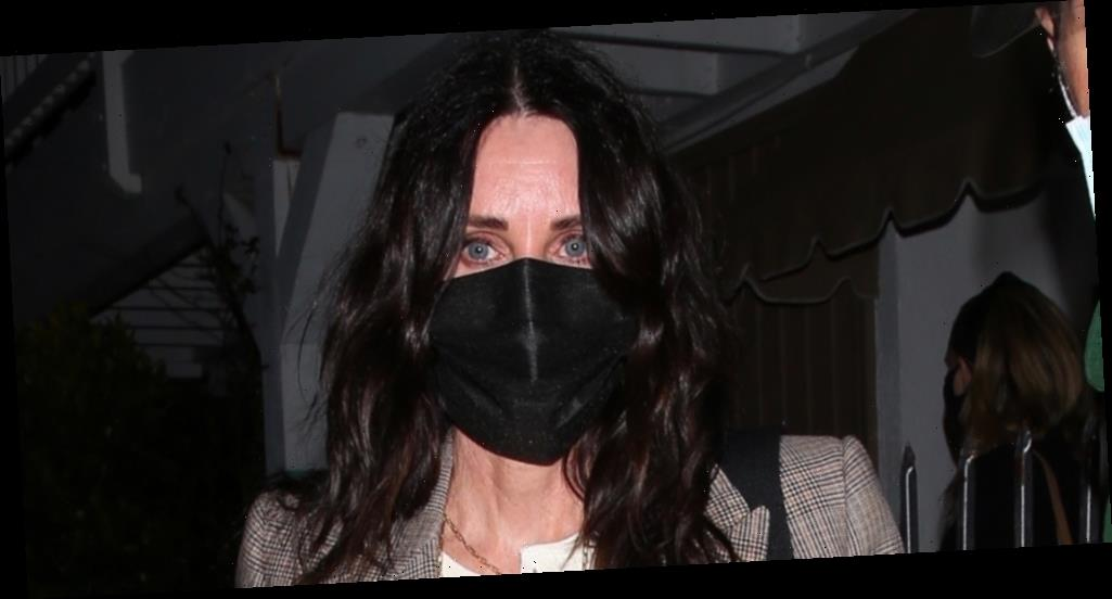 Courteney Cox Meets Up With Molly Sims & Jennifer Meyer For Dinner in LA