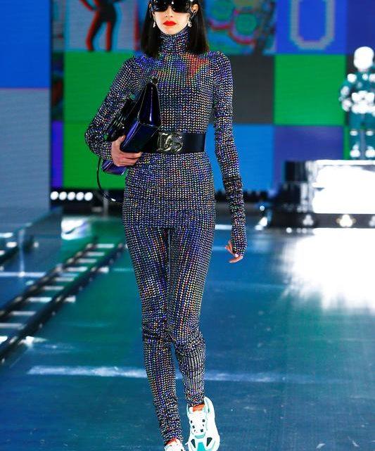Valentino, D&G shows bring curtain down on Milan Fashion Week