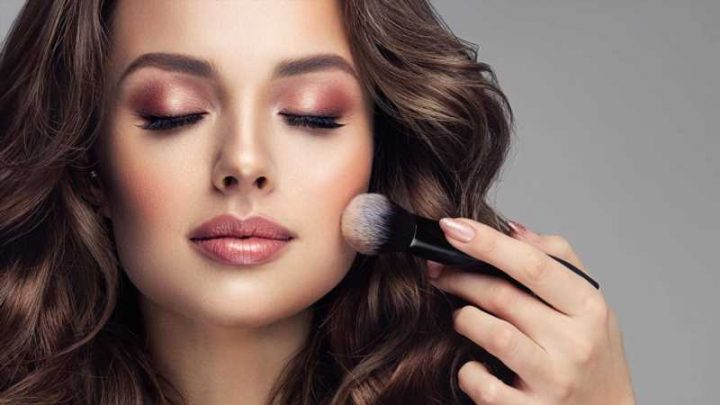 Here's When You Should Really Replace Your Makeup Brushes