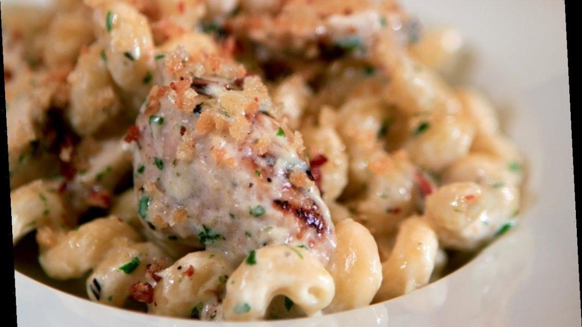TikTok's Viral Mac & Cheese Recipes Include Chicken Strips & Hot Cheetos