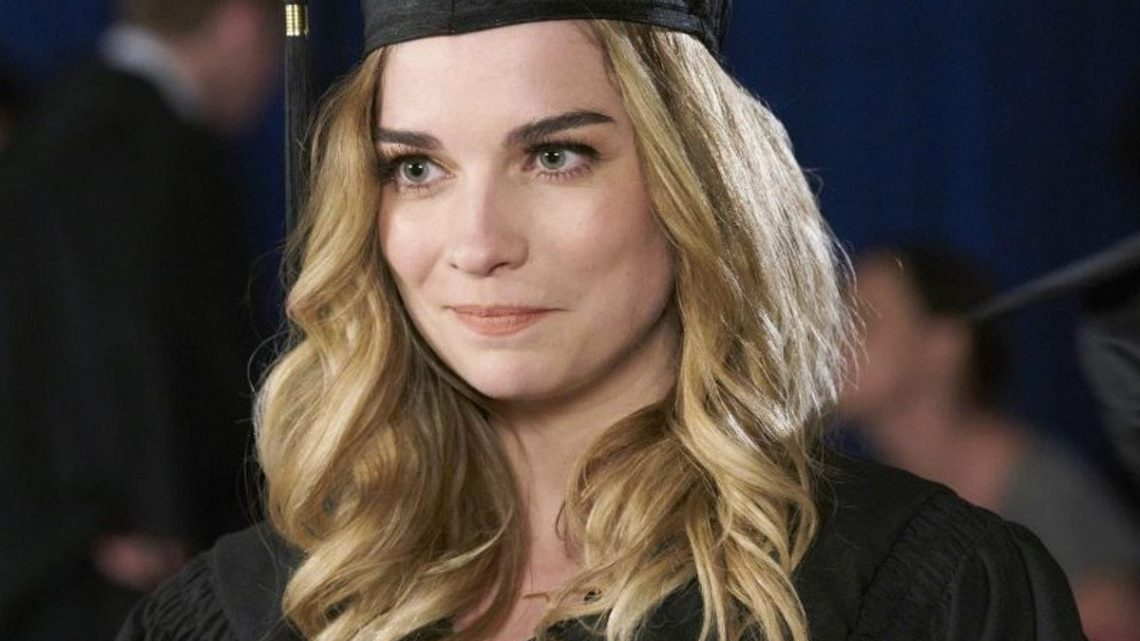 """14 'Schitt's Creek'-Inspired Graduation Party Ideas, So You """"Remember The Experience"""""""