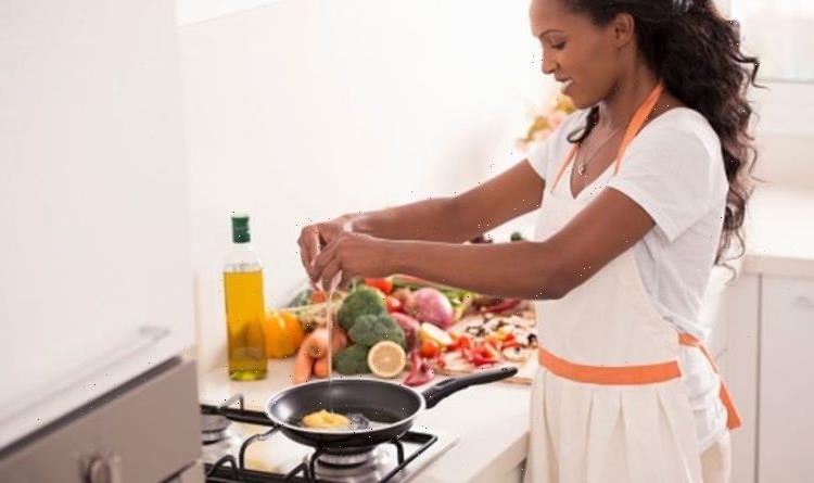 How to make an omelette – 3 easy omelette hacks
