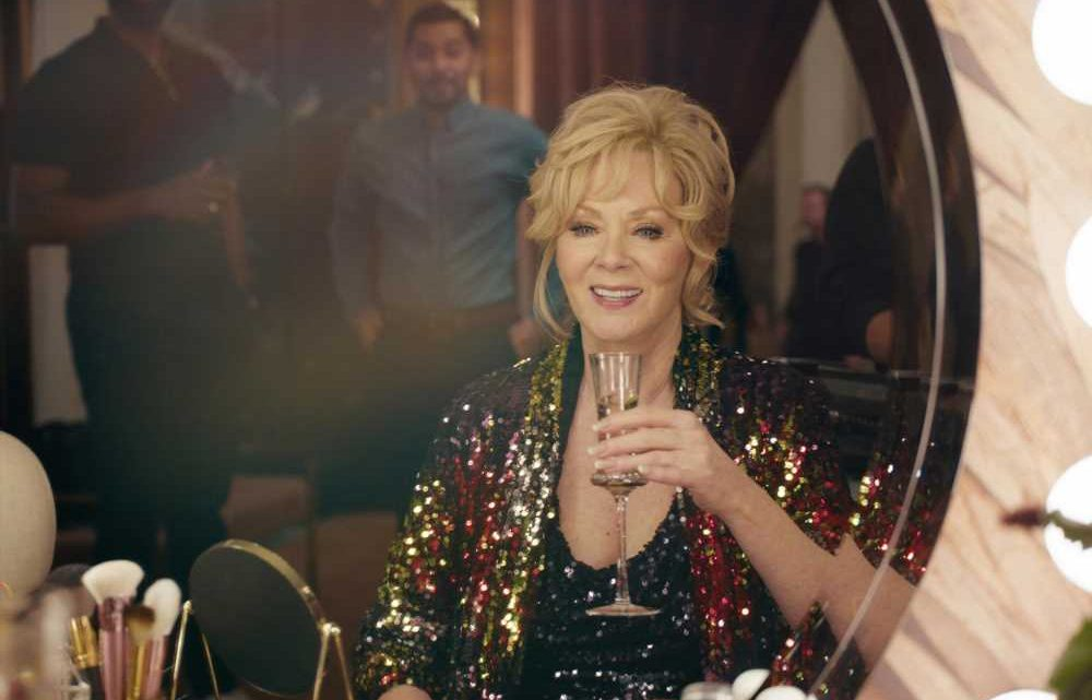 Jean Smart dishes on her dark comedy 'Hacks'