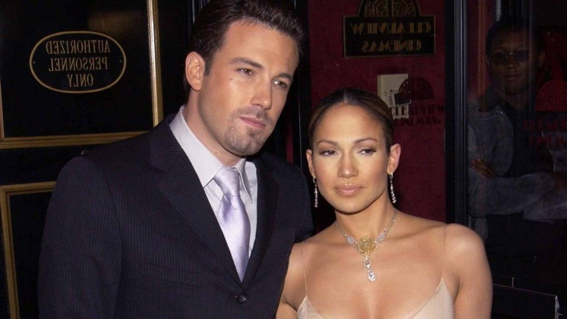 Jennifer Lopez and Ben Affleck 'Completely Smitten' With Each Other