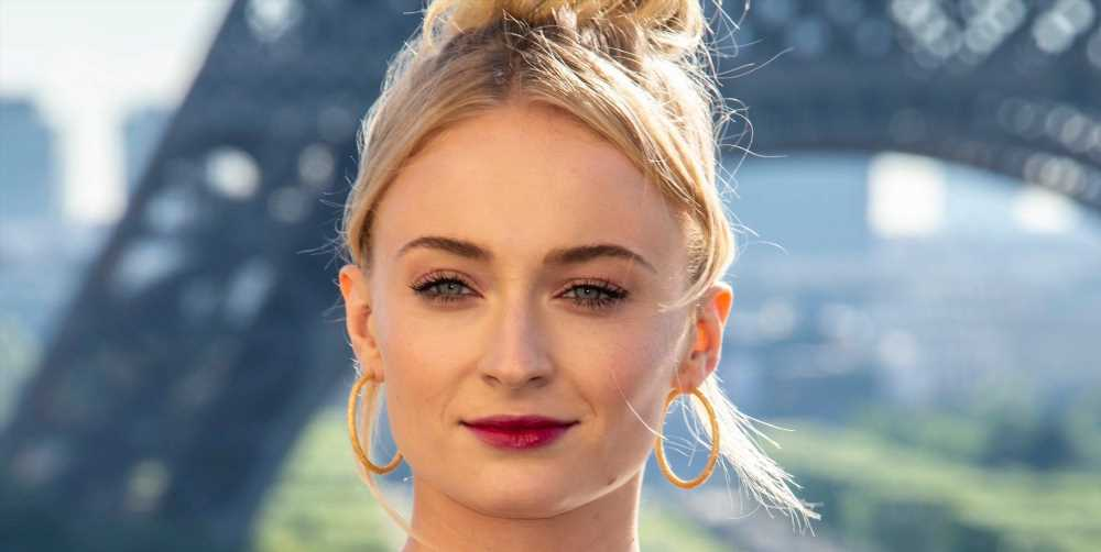 """Sophie Turner Speaks Out Against Paparazzi Photographing Her Baby Daughter: """"It's F*cking Creepy"""""""