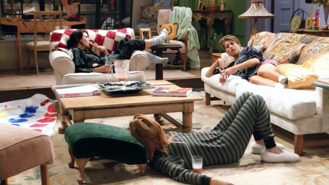 """The 'Friends' Experience In NYC Sleepover Opp Will Make You Say, """"Oh. My. God."""""""