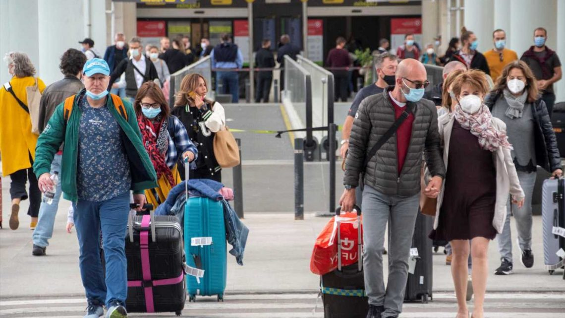 Up to 100k Brits will fly to Spain from today defying government warnings not to travel to amber list countries