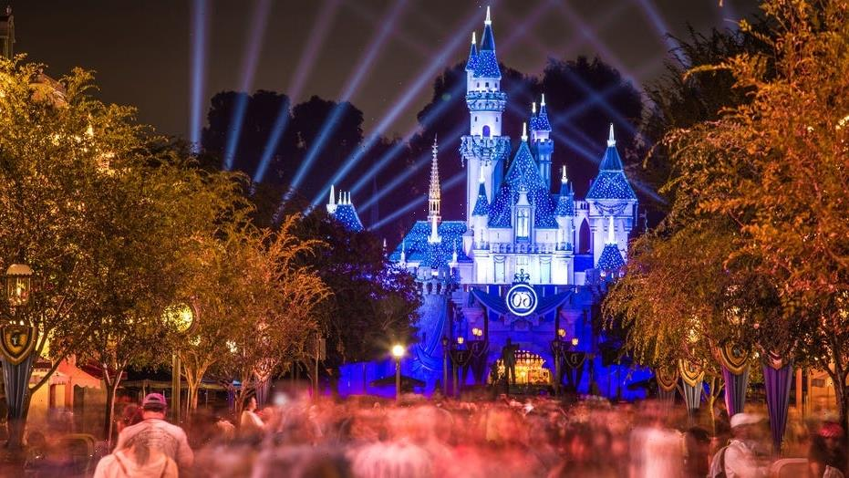 Disneyland sees massive line after dropping mask, social distancing rules