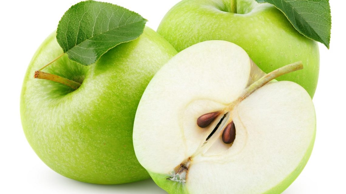 When You Eat An Apple Seed, This Is What Happens To Your Body