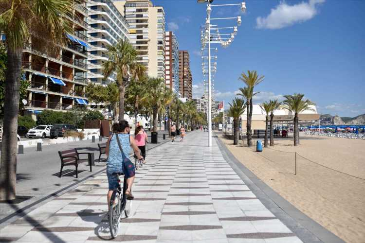 Benidorm and Costa Blanca hotels will close AGAIN unless Brits return next month