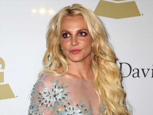 Britney Spears' Dad Has More & More Stars Coming Out to Confirm His Behavior