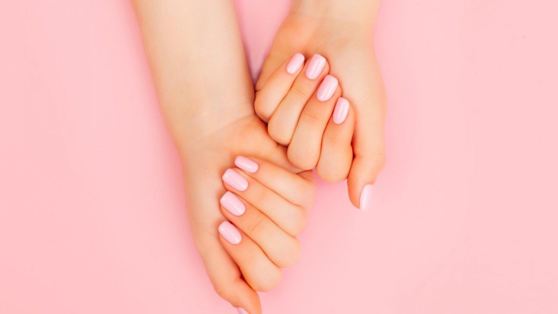 Everything You Need To Know About The Korean Half-And-Half Manicure Trend