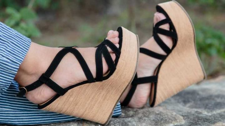 This Is How You Should Be Walking In Wedge Sandals