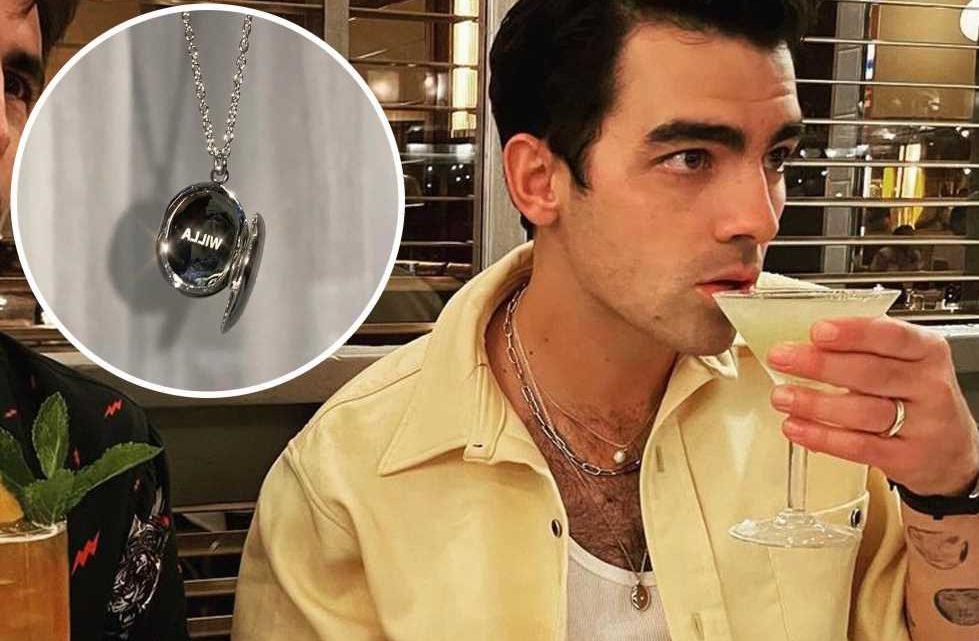 Joe Jonas wears sweet necklace for daughter Willa