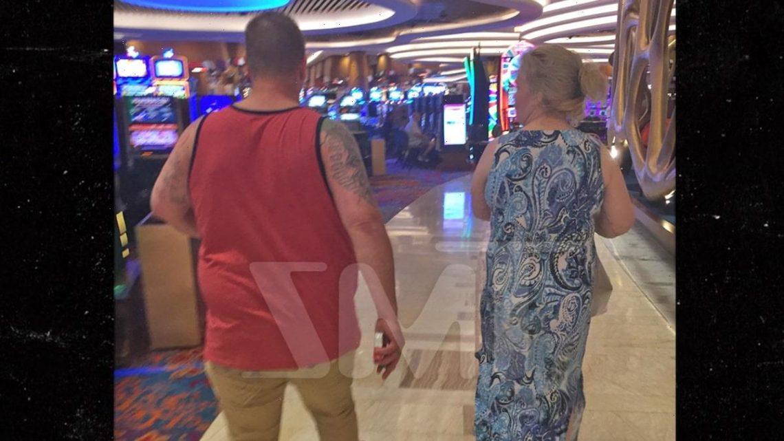 Mama June and Boyfriend Geno Still Hanging at Casino Despite Pandemic