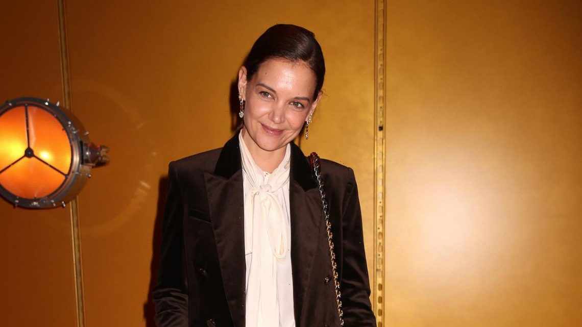 These Wide-Leg Pants Will Help You Recreate Katie Holmes' City Style