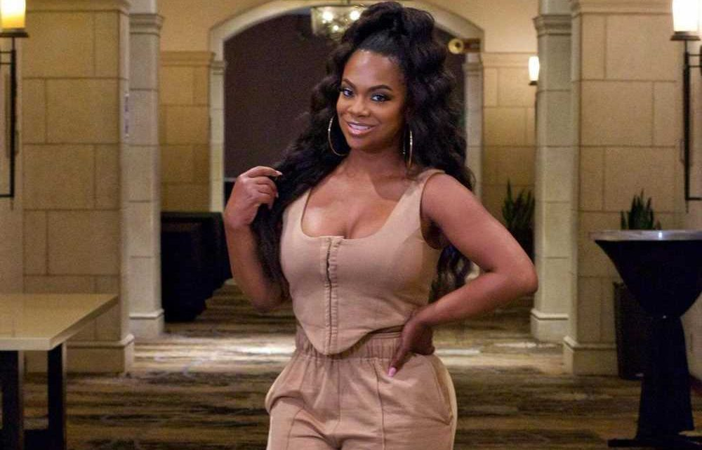 'Housewife' Kandi Burruss making her Broadway debut as a producer