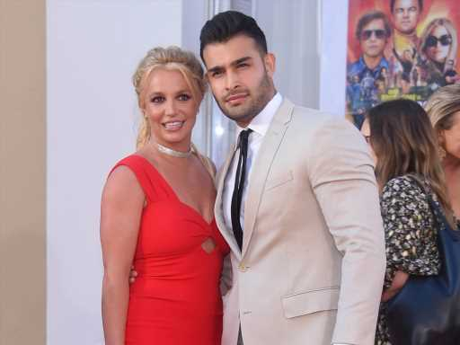 Britney Spears Deactivated Her Instagram 2 Days After Announcing Her Engagement There