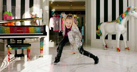 JoJo Siwa Wants to Be 'a Role Model for People Who Love Love'