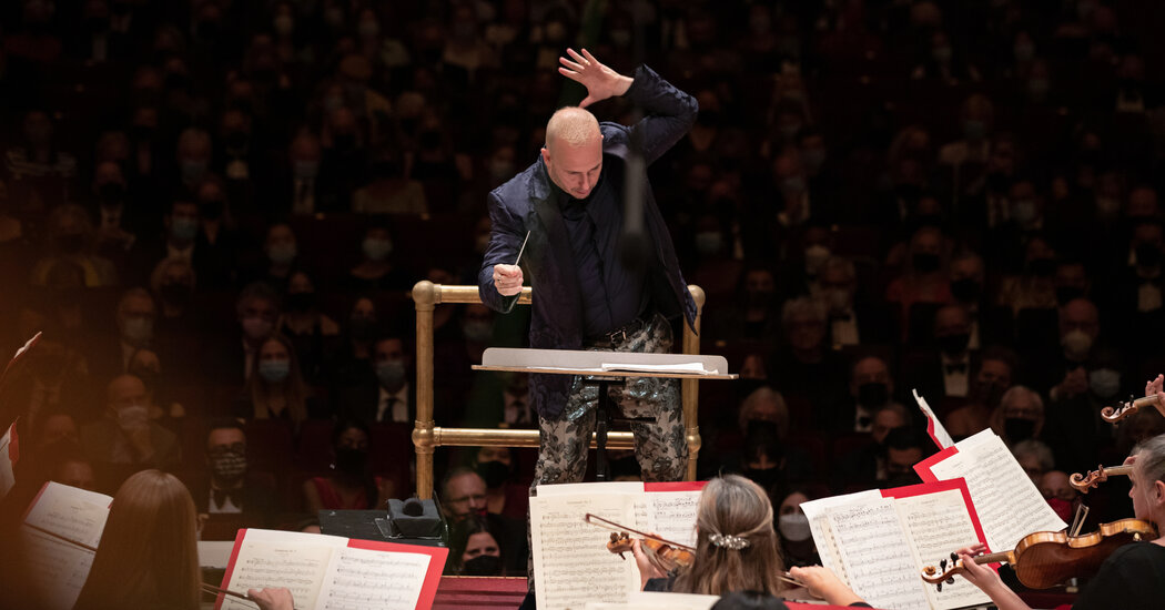 Review: Carnegie Hall Reopens With a Blaze From Philadelphia